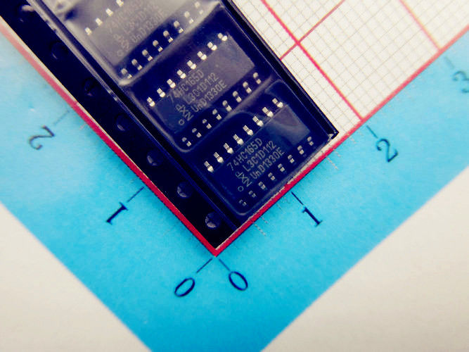 Electronic Components IC Integrated Circuit 74HC165D for Counter Shift Registers 8 Bit